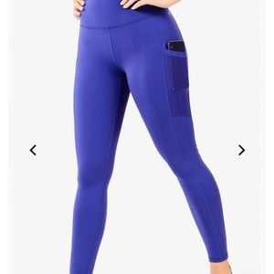 NWT MILA POWERHOLD POCKET LEGGINGS